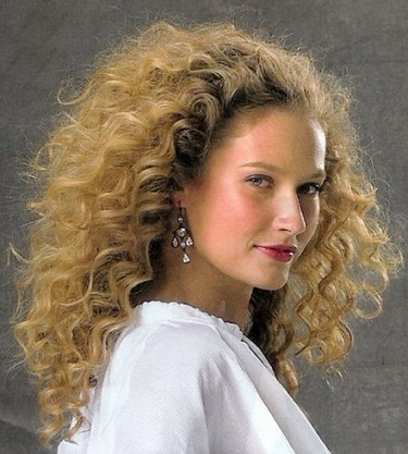 Curly Hairstyles 19