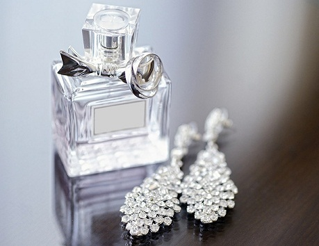 jewellery-wedding-anniversary-gifts-for-wife