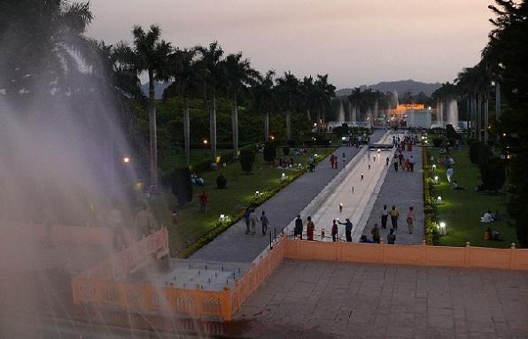 parks-in-haryana-pinjore-yadavindra-gardens