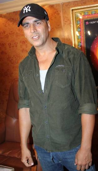 akshay kumar without makeup