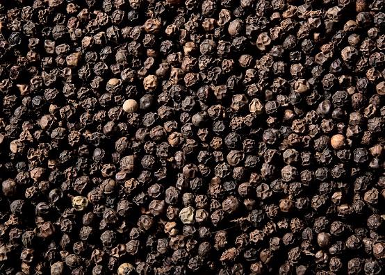 Black pepper for gray hair