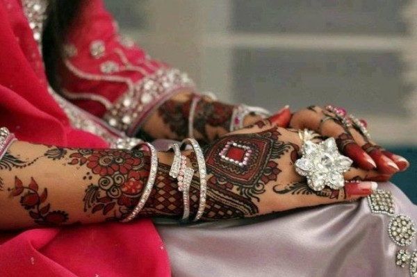 Bridal Mehndi Designs25