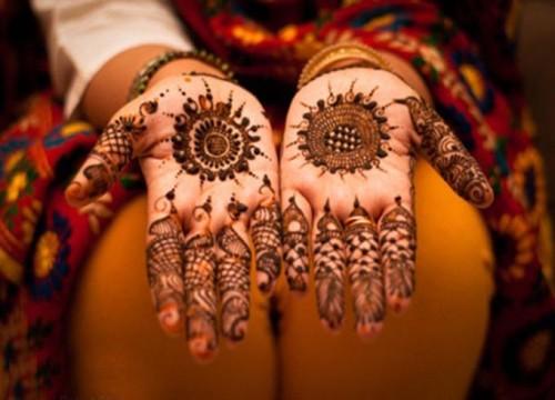Flower Mehandi Design For Brides
