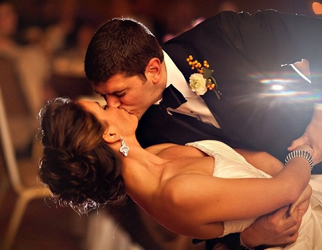 dancing-kiss-different-types-of-kisses-and-their-meanings