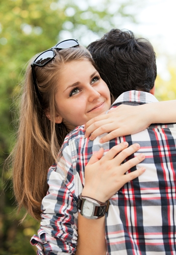 How to Hug a Boy? | Styles At Life