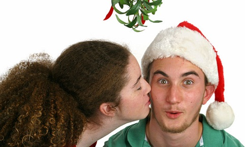 kiss-under-mistletoe-different-types-of-kisses-and-their-meanings
