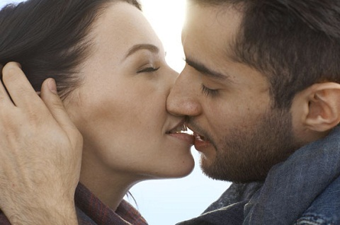 kiss-with-romantic-breath-different-types-of-kisses-and-their-meanings