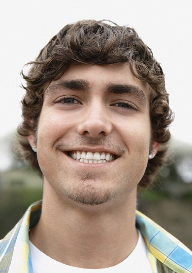 Modern hairstyles for men - Messy curly style