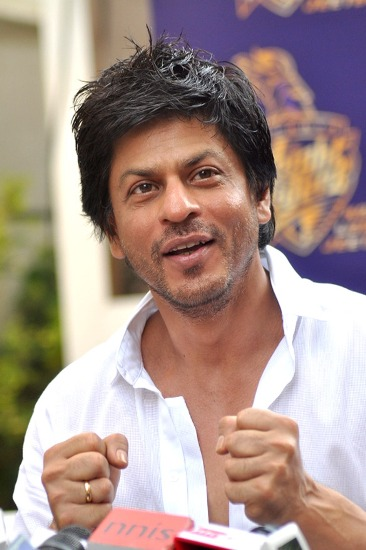 9 Pictures Of Shahrukh Khan With And Without Makeup