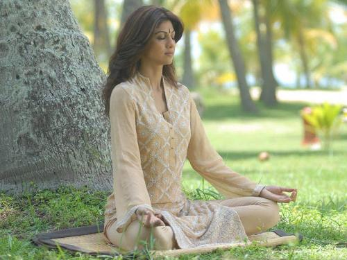 Shilpa Shetty Yoga1