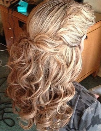 Wavy Hairstyles 24