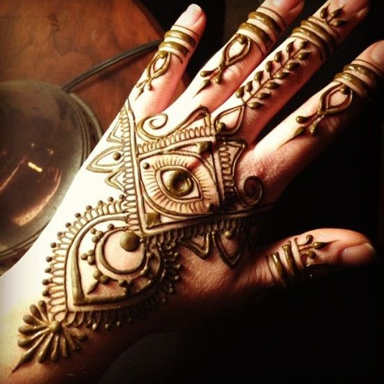 Egyptian Henna Designs: 9 Outstanding Engagement Mehndi Designs With Images