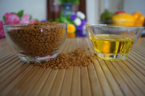 Home Remedies For Dandruff-fenugreek and olive oil