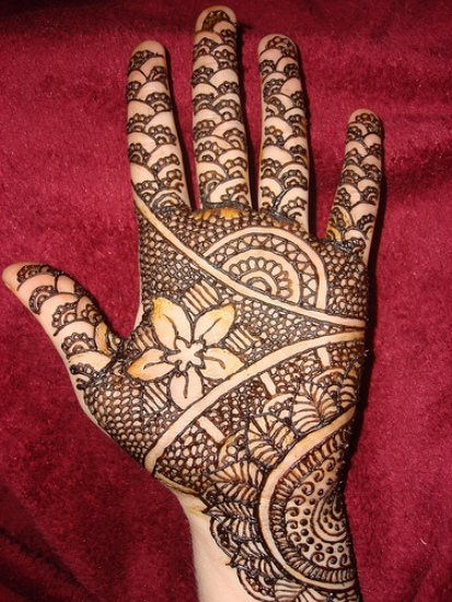 Patterned mehndi