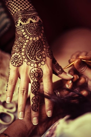 flower leaf mehndi design