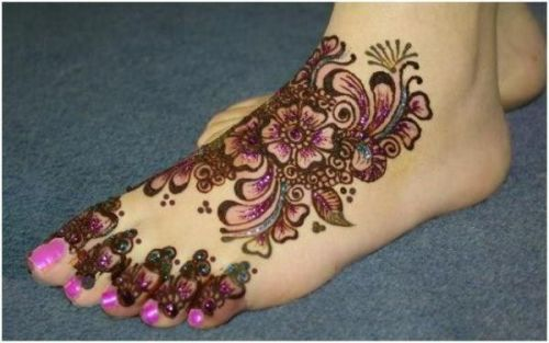 pretty in pink mehndi design