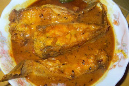 healthy fish recipes - hilsa curry