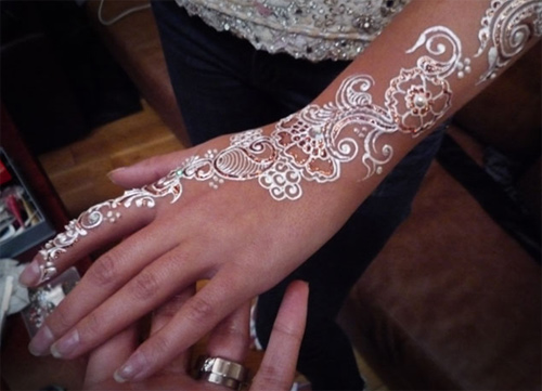White Mehndi Tattoo : Quot white henna what is it