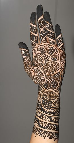 Traditional Indo Arabic Mehndi Design