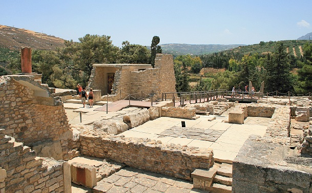 knossos_greece-tourist-places