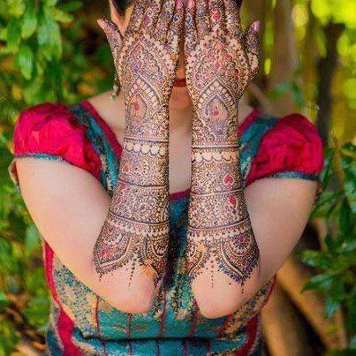 Full Back Hand Pakistani Bridal Mehendi Design