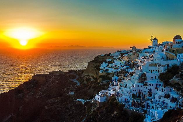 santorini_greece-tourist-places