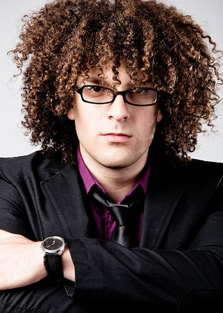 Curly Hairstyles for Men17