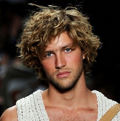 30 best curly hairstyles for men with pictures styles at