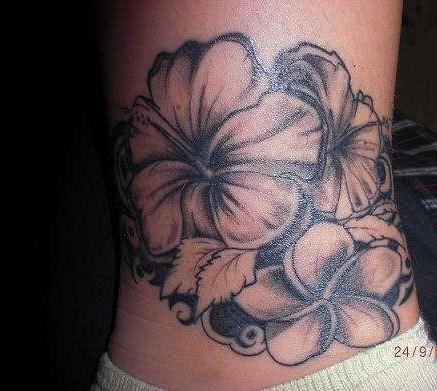 top-9-hibiscus-tattoo-designs10