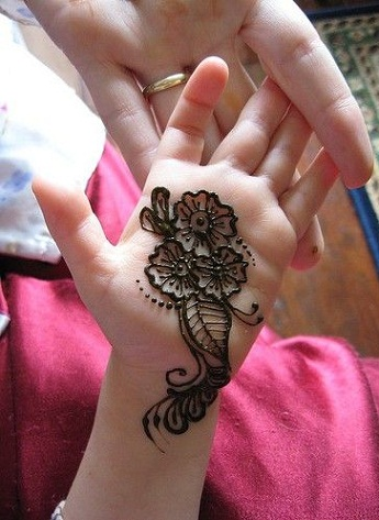 Easy Mehndi Designs for Kids