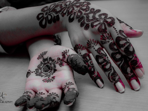 Deep color mehndi design