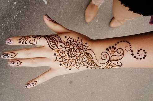 90 Simple Easy Mehndi Designs For Beginners That Are Easy To Draw