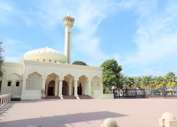 bastakiya-mosque_dubai-tourist-places