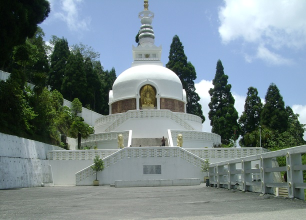japanese-peace-pagoda_darjeeling-tourist-places