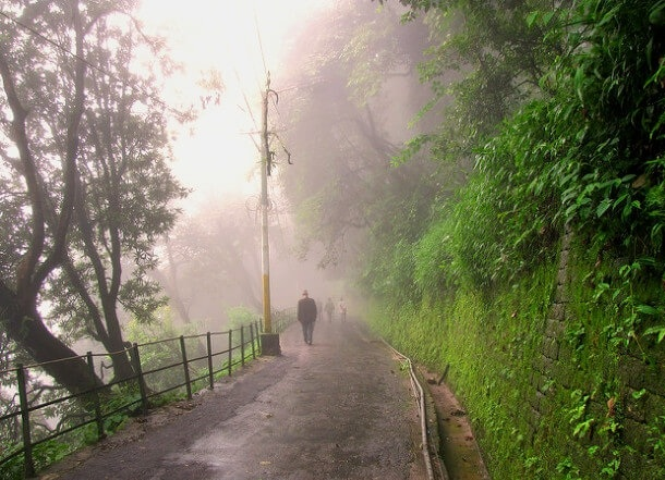 monsoons-in-darjeeling_darjeeling-tourist-places