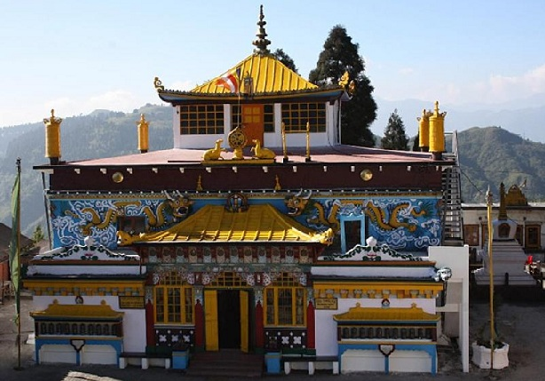 the-famous-ghoom-monastery_darjeeling-tourist-places