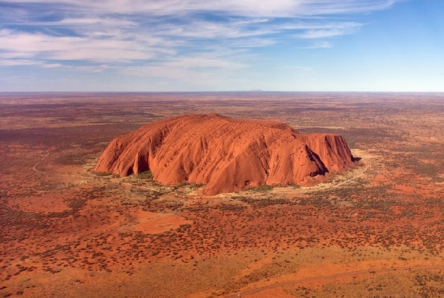uluru_australia-tourist-places