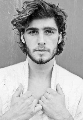 Wavy Hairstyles for Men 11