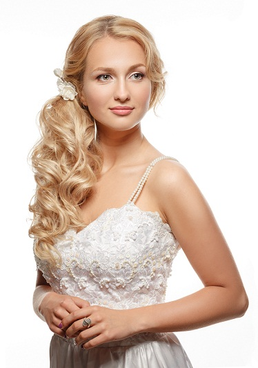 Bridal hairstyles for reception