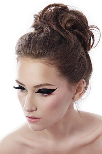 hair buns style top 9 bun hairstyles for prom styles at 1597