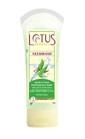 Lotus Herbals Neem wash with clove extract and active neem slices