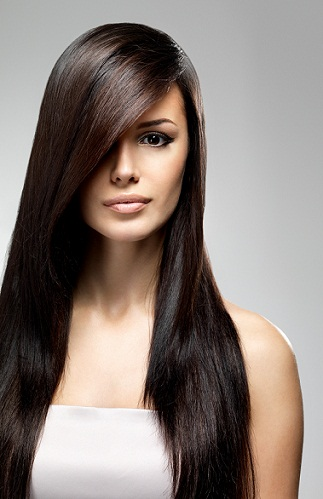 Straight hairstyles for round faces 9