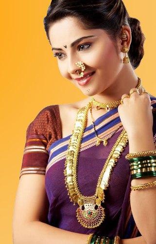 maharashtrian bridal hairstyle4