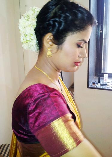 maharashtrian bridal hairstyle6
