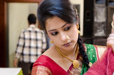 maharashtrian bridal hairstyle7
