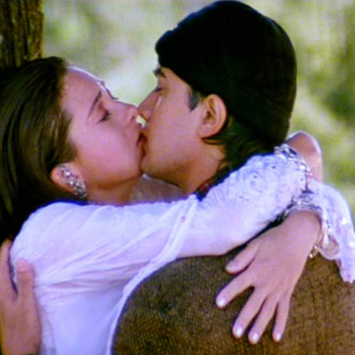 Karishma Kapoor Kissing Scene