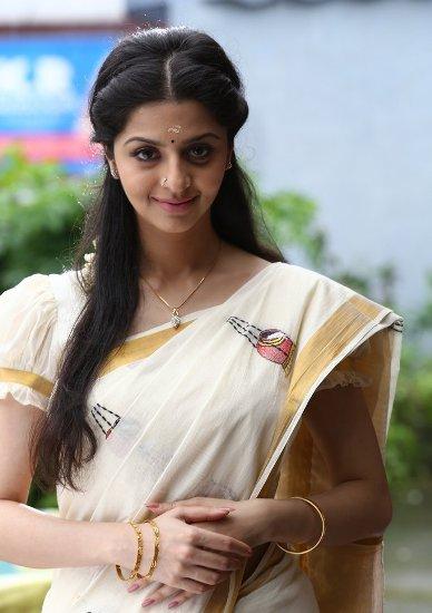 Kerala Ladies Hair Styles Www Pixshark Com Images