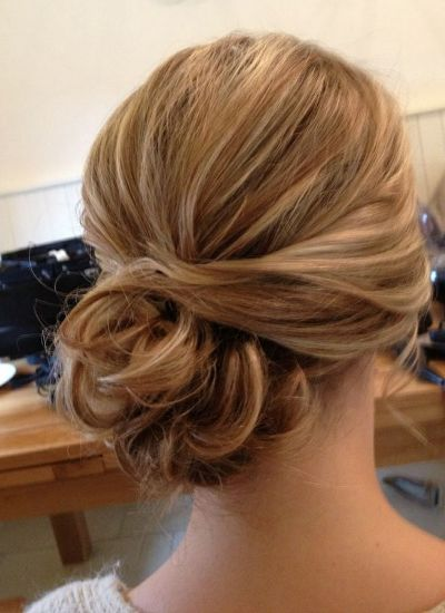 side bun hairstyle4