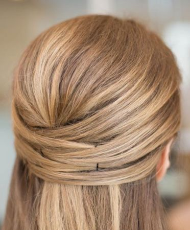 The Pin-up Simple Hairstyle