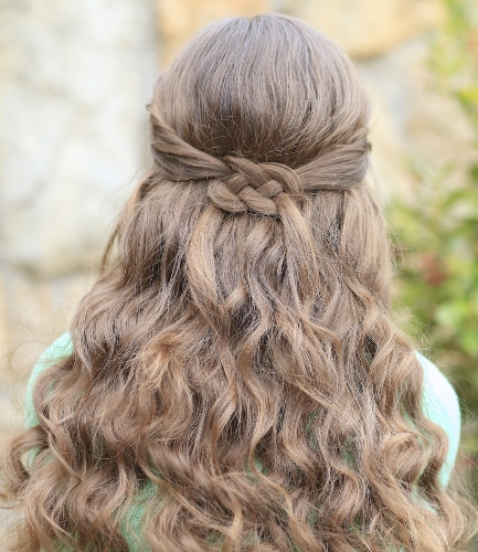 simple knot hairstyle3